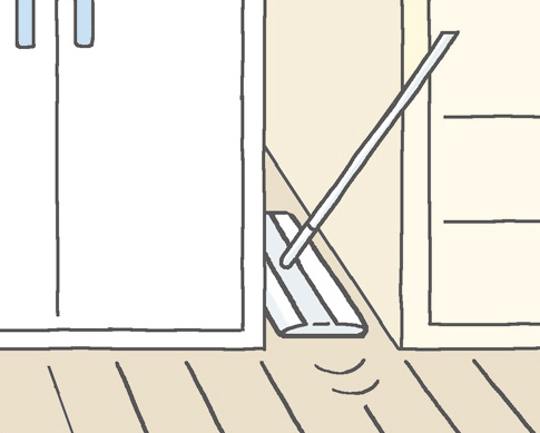 家具のすき間も「クイックルワイパー」などの床用掃除道具でお掃除