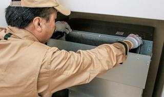 エアーフィルターの取り付けと室内機の清掃